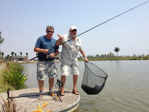 john wilson carp fishing thailand at jurassic fishing park