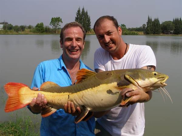 Extreme Fishing in Thailand with Robson Green