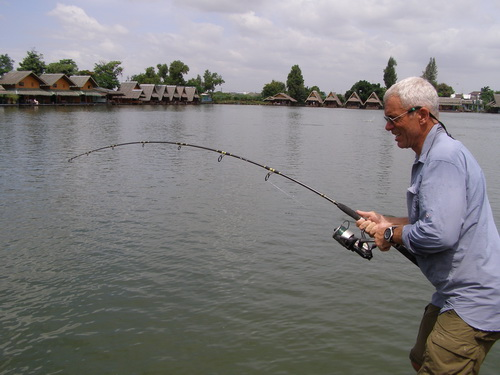 Filming River Monsters at Bungsamran Lake in Bangkok for Siamese giant carp with Jeremy Wade
